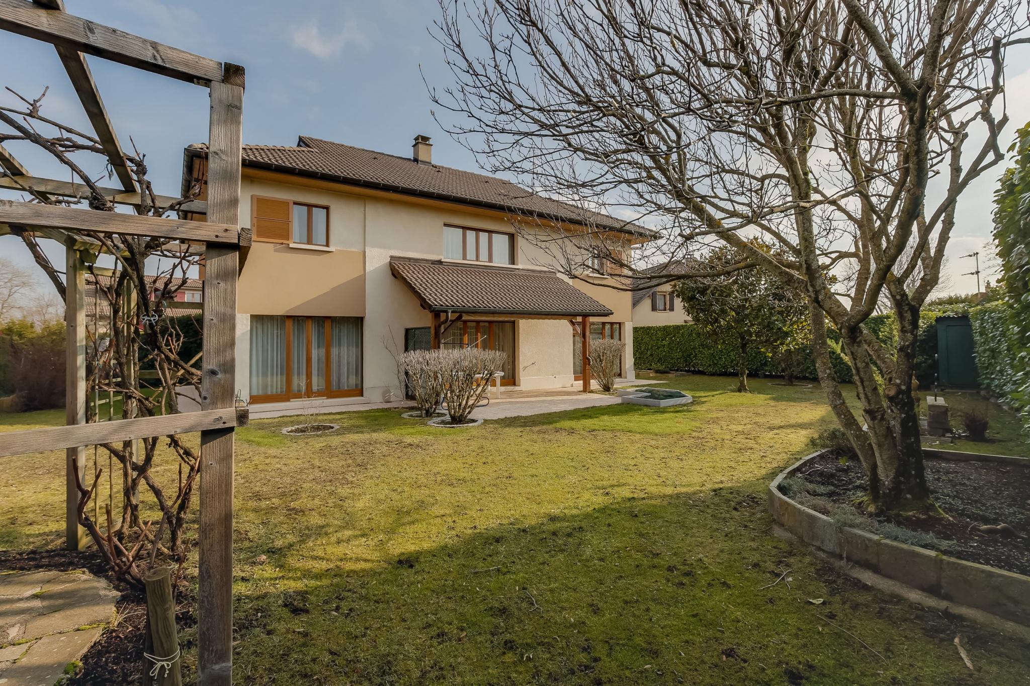 Vie Et Veranda Thoiry villa 5 pièces - 177 m²